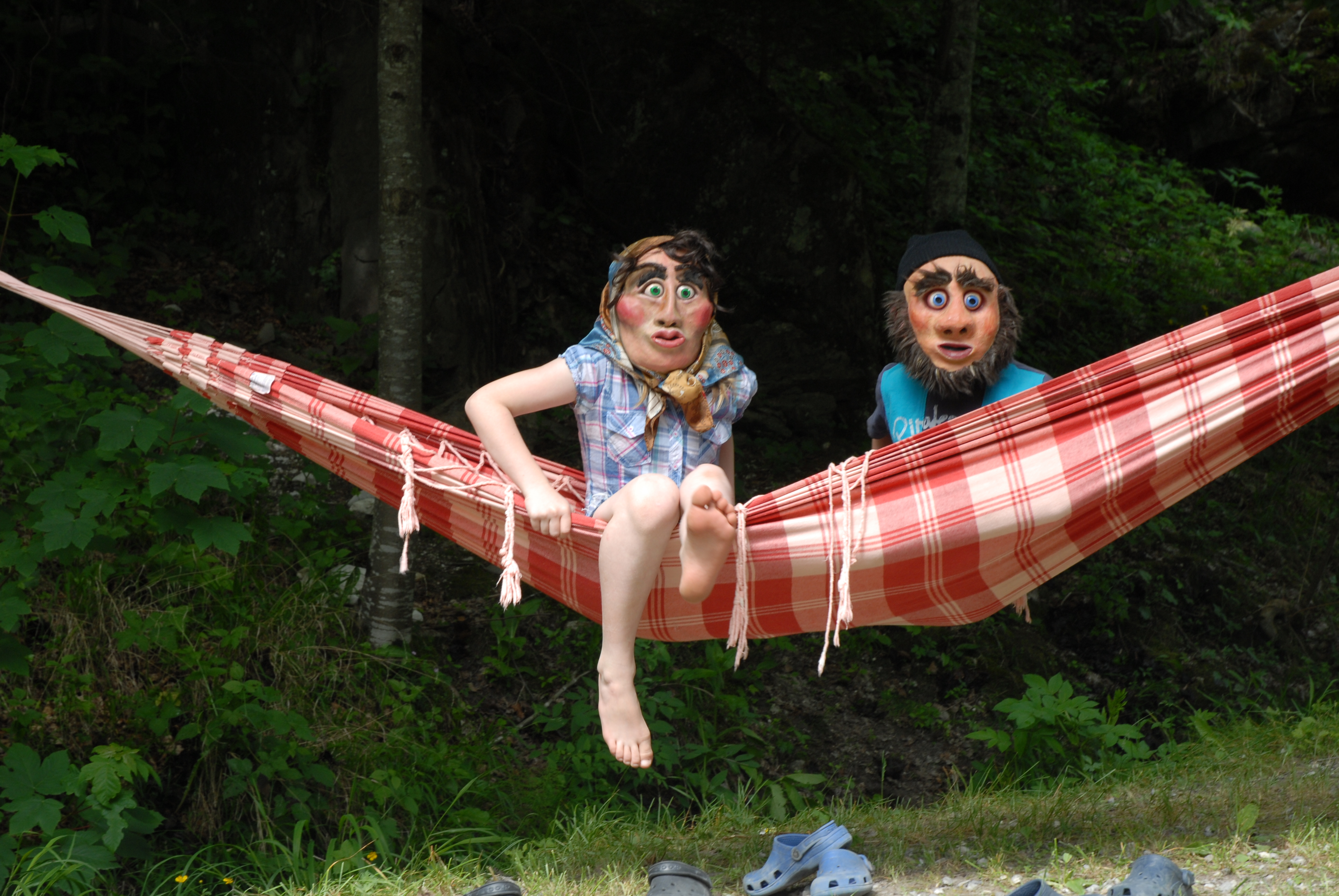 Kids Hangin'